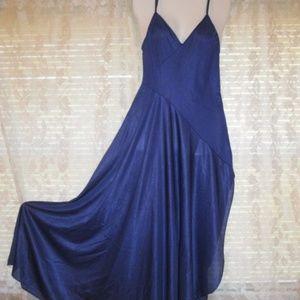 Flowing Nylon slinky Elegant full sweep nightgown
